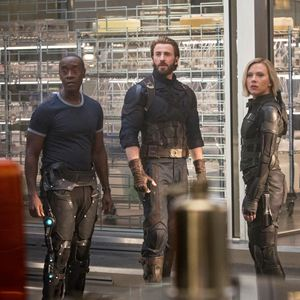 Avengers: Infinity War : Photo Chris Evans, Don Cheadle, Scarlett Johansson