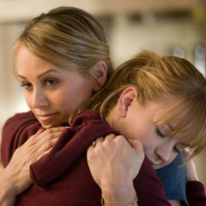 The First Time : Photo Britt Robertson, Christine Taylor
