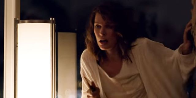 Milla Jovovich en star de slasher pour un clip de Parcels
