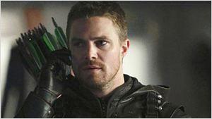 """Arrow : un début de saison """"vicieux"""" et """"violent"""" selon Stephen Amell"""