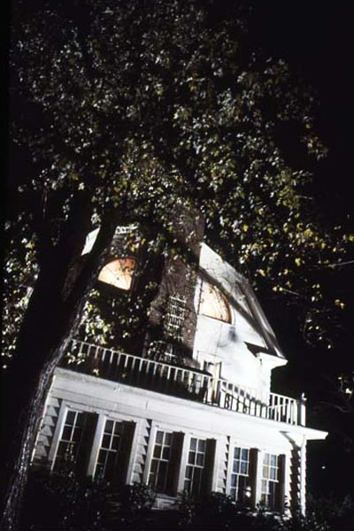 Photo du film amityville la maison du diable photo 5 for Amityville la maison du diable streaming vf