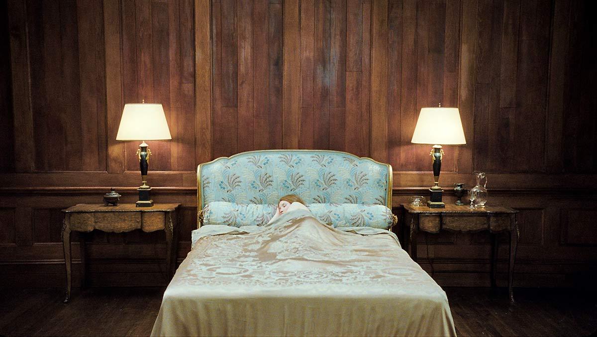 Sleeping Beauty : photo Julia Leigh