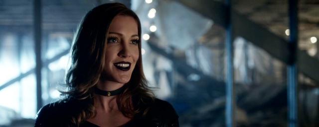 Arrow : Katie Cassidy de nouveau régulière dans la saison 6