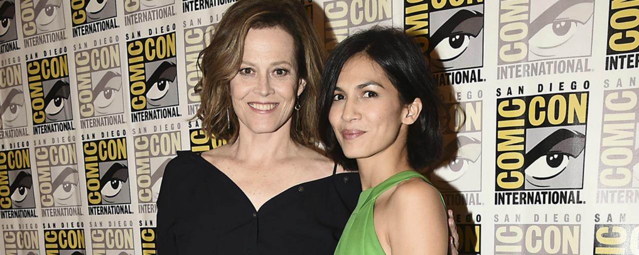 """Sigourney Weaver (Marvel's Defenders) : """"Je partage avec Elektra un lien comme je n'en ai jamais eu à l'écran"""""""