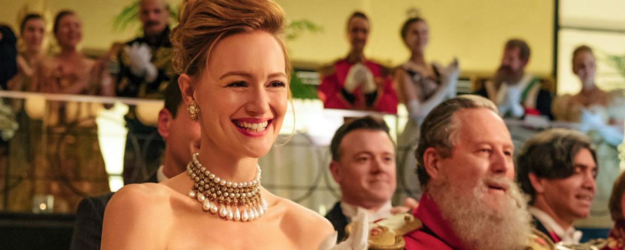"""The Romanoffs : """"J'avais envie que chaque épisode soit au cœur des discussions"""" décrit son créateur Matthew Weiner"""