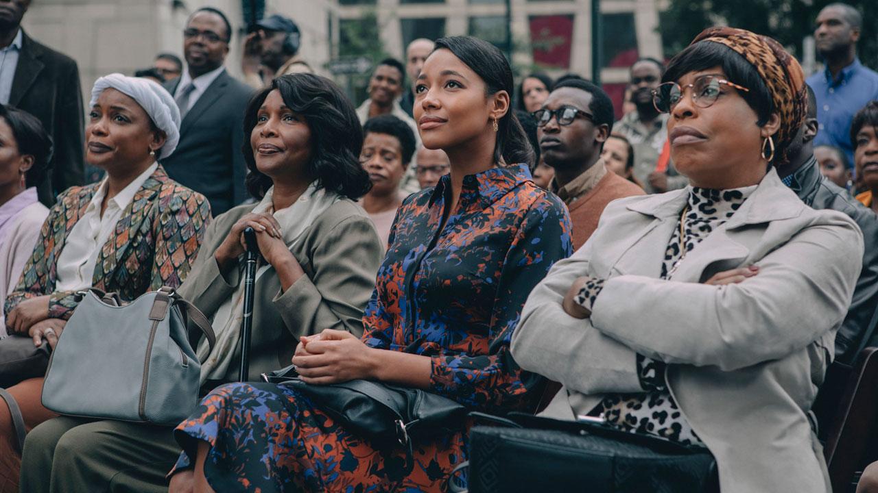 Dans leur regard sur Netflix : la réaction de la réalisatrice Ava DuVernay aux non-excuses de Donald Trump