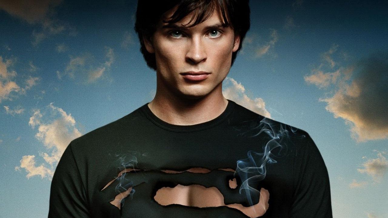 Arrow : Tom Welling (Smallville) revient en Superman dans le prochain crossover