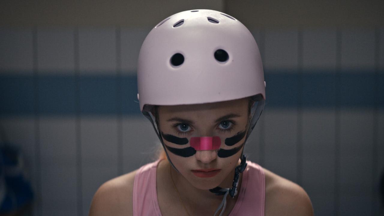 Derby Girl sur France TV Slash : que vaut la série sur le roller-derby avec Chloé Jouannet ?