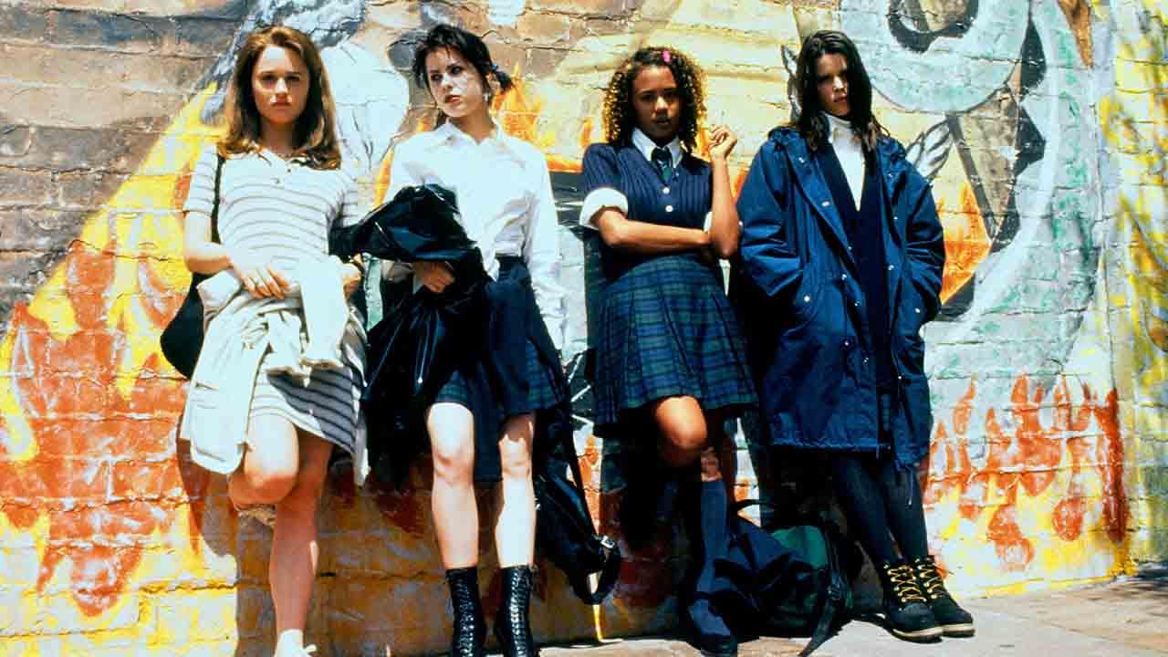 Dangereuse Alliance : que sont devenues les actrices de ce film fantastique culte ?