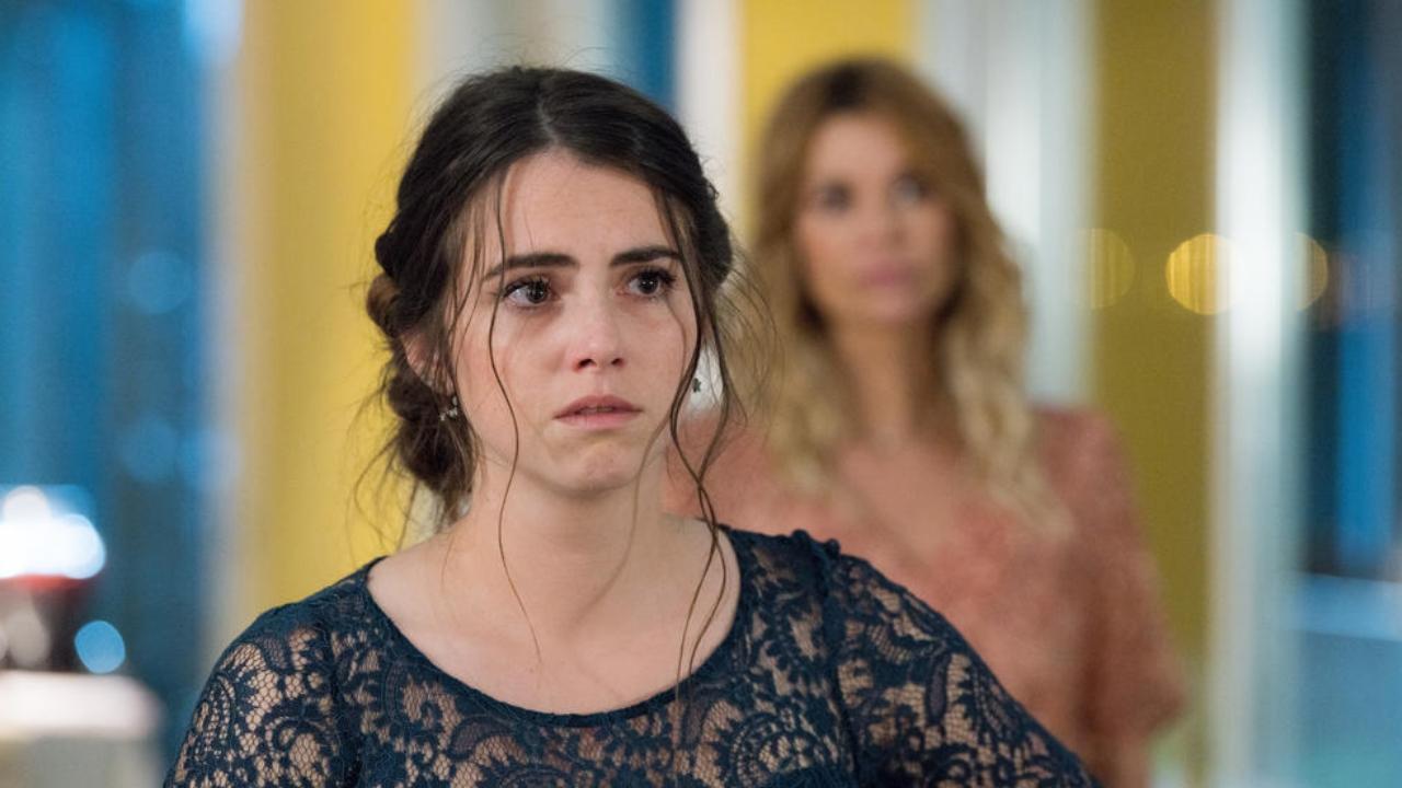 """Demain nous appartient : """"On va découvrir les failles de Charlie"""" confie Clémence Lassalas"""