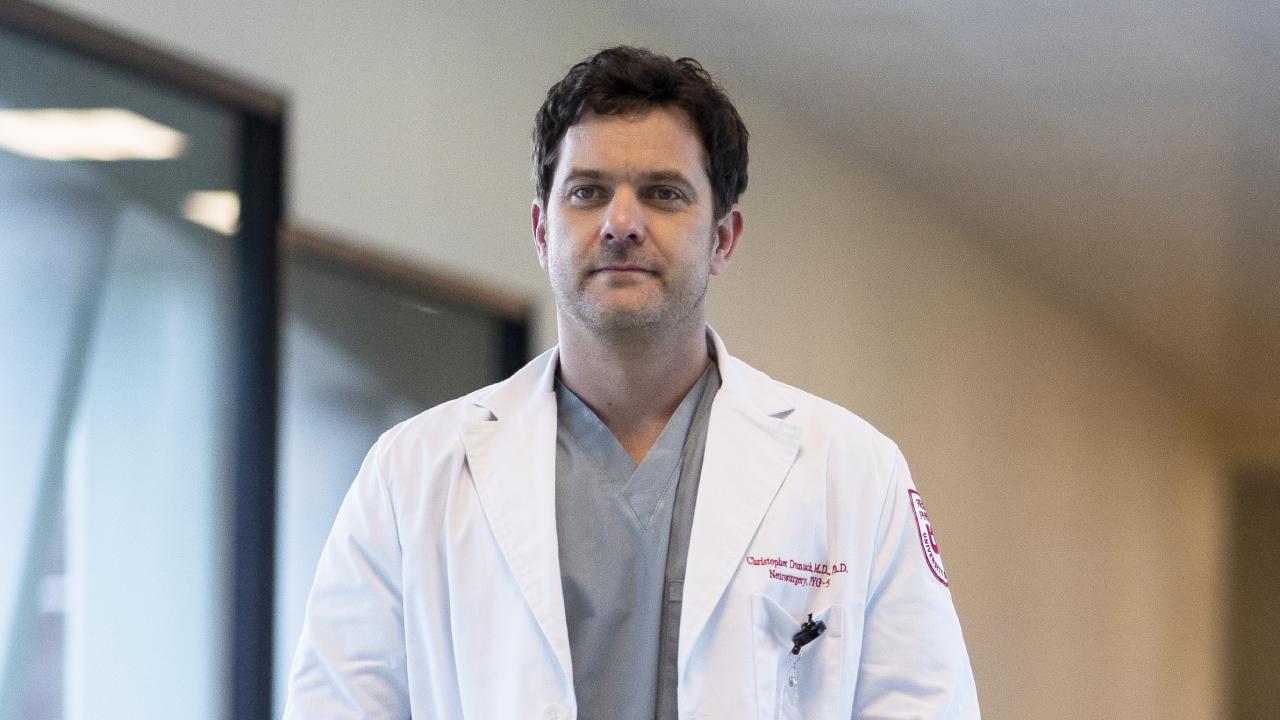 Dr. Death sur Starzplay: Joshua Jackson ne devait pas incarner le chirurgien meurtrier à l'origine