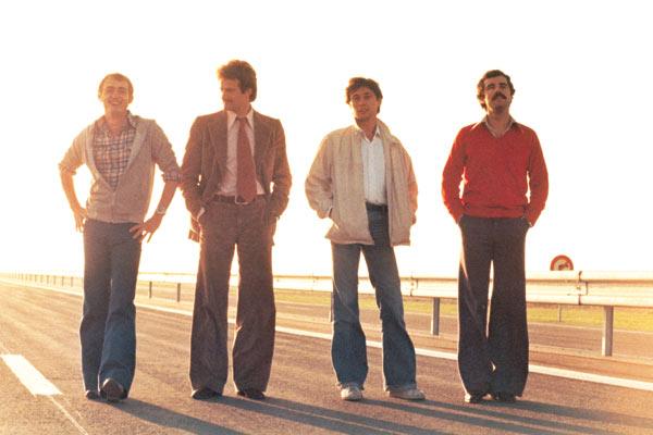 Le Plein de super : Photo Bernard Crombey, Etienne Chicot, Patrick Bouchitey, Xavier Saint-Macary