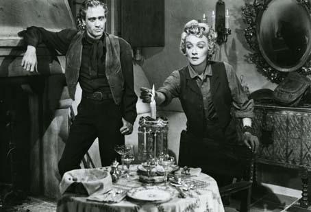 L'Ange des maudits : Photo Marlene Dietrich, Mel Ferrer