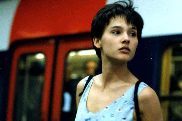 La fille seule : Photo Virginie Ledoyen