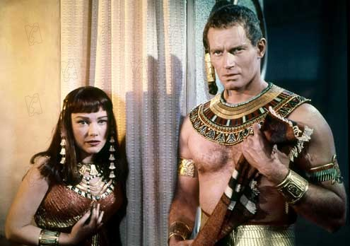 Les Dix commandements : Photo Anne Baxter, Cecil B. DeMille, Charlton Heston