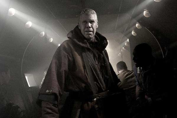 The Mutant Chronicles : Photo Ron Perlman, Simon Hunter