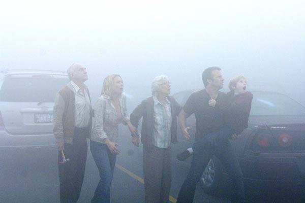 The Mist : Photo Frances Sternhagen, Jeffrey DeMunn, Laurie Holden, Nathan Gamble, Thomas Jane