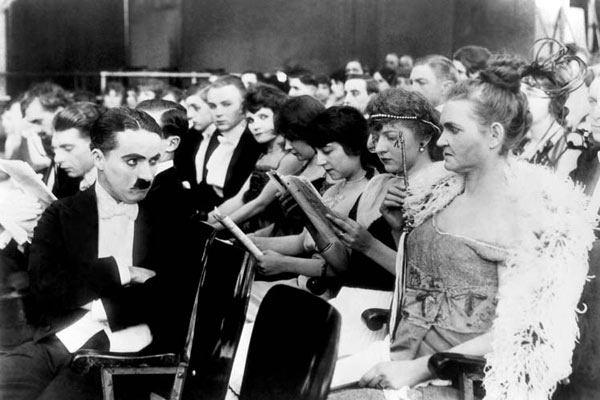 Charlot au music-hall : Photo Charles Chaplin