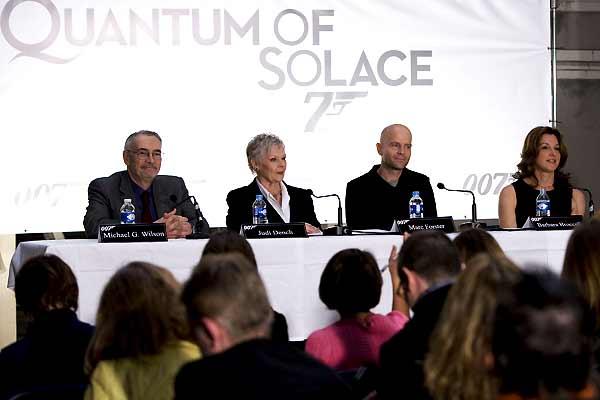 Quantum Of Solace : Photo Barbara Broccoli, Judi Dench, Michael G. Wilson