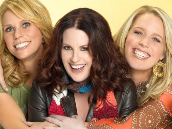 In The Motherhood : Photo Cheryl Hines, Jessica St. Clair, Megan Mullally