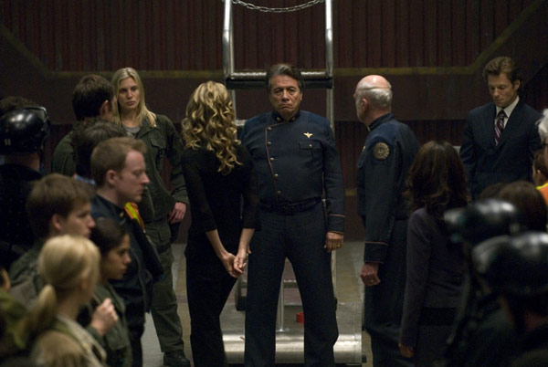 Battlestar Galactica : Photo Edward James Olmos, Jamie Bamber, Kate Vernon, Katee Sackhoff, Michael Hogan