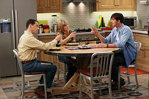 Photo Ashton Kutcher, Courtney Thorne-Smith, Jon Cryer
