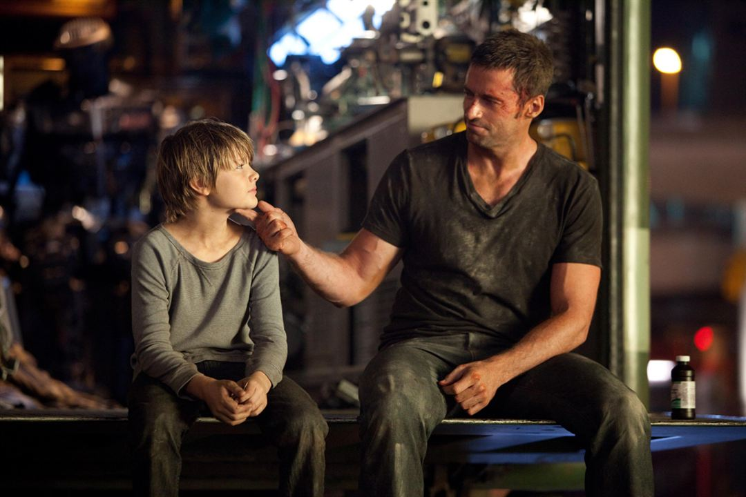 Real Steel : Photo Dakota Goyo, Hugh Jackman