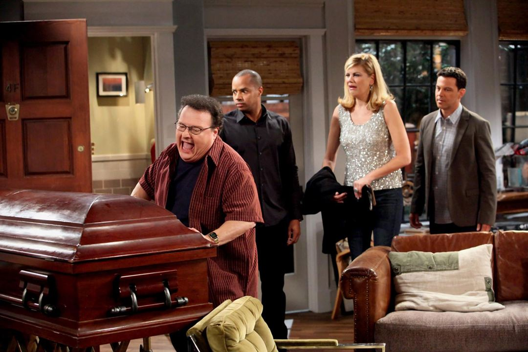 Photo David Alan Basche, Donald Faison, Kristen Johnston, Wayne Knight