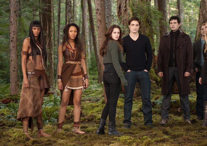 Twilight - Chapitre 5 : Révélation 2e partie : Photo Christian Camargo, Judith Shekoni, Kristen Stewart, Peter Facinelli, Robert Pattinson