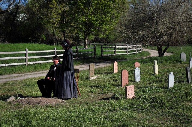 Redemption: For Robbing the Dead : photo