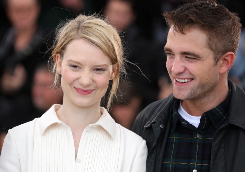 Mia Wasikowska et Robert Pattinson