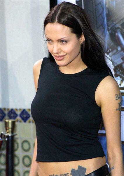 25 Stars Et Leurs Tatouages Angelina Jolie Allocine