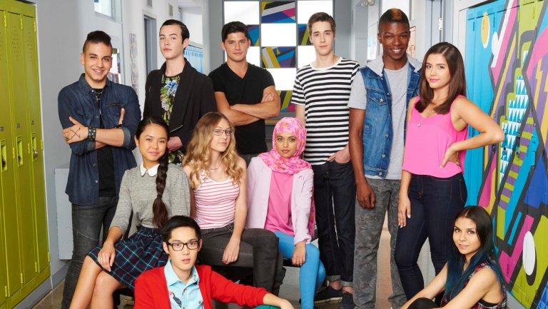Degrassi : Next Class, saison 1 et 2 : 1 octobre