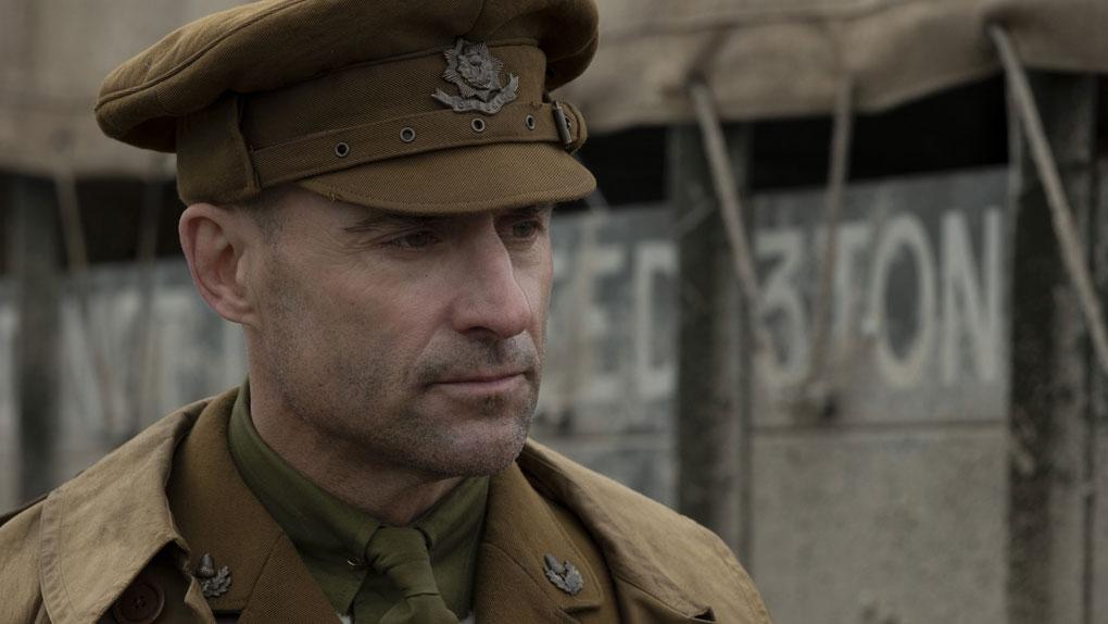 Mark Strong (le capitaine Smith)