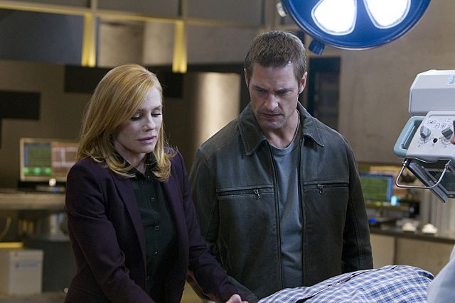 Photo Josh Holloway, Marg Helgenberger