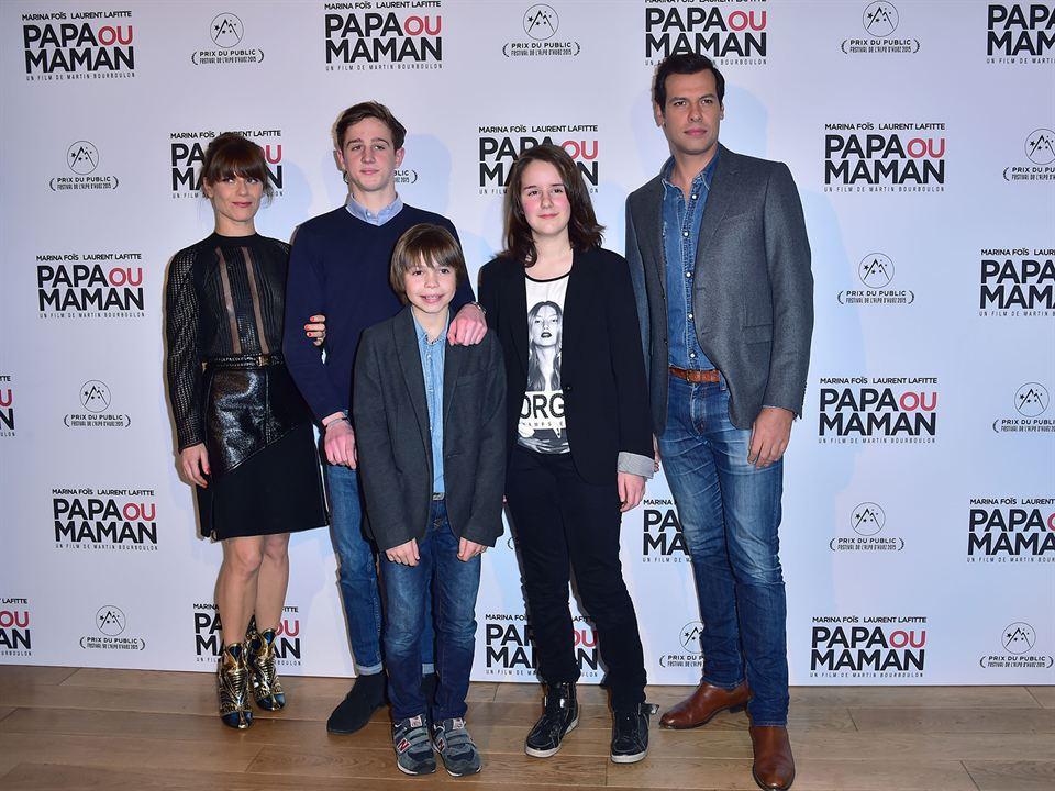 Papa ou maman : Photo promotionnelle Achille Potier, Alexandre Desrousseaux, Anna Lemarchand, Laurent Lafitte, Marina Foïs