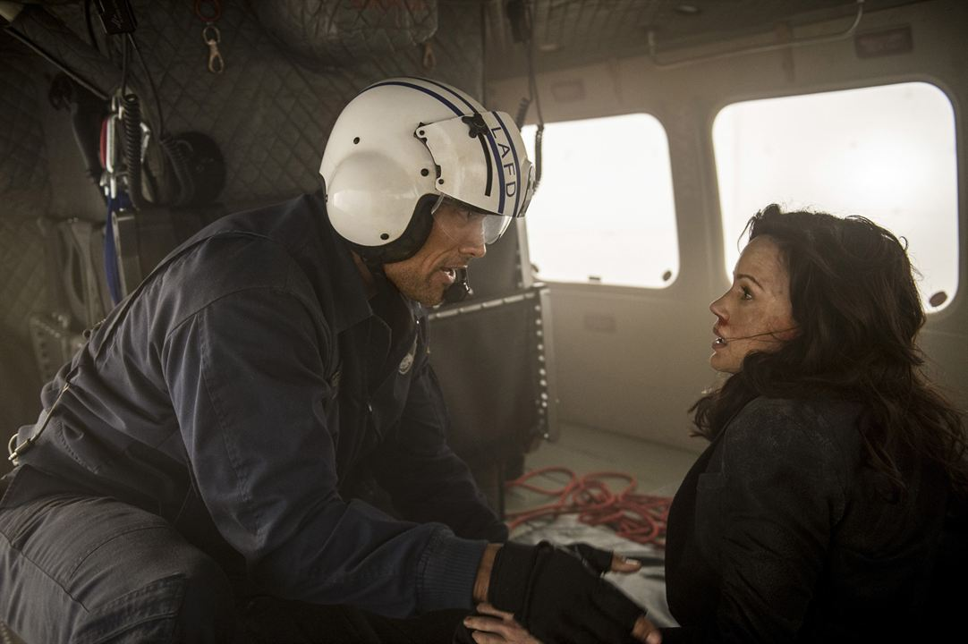 San Andreas : Photo Carla Gugino, Dwayne Johnson