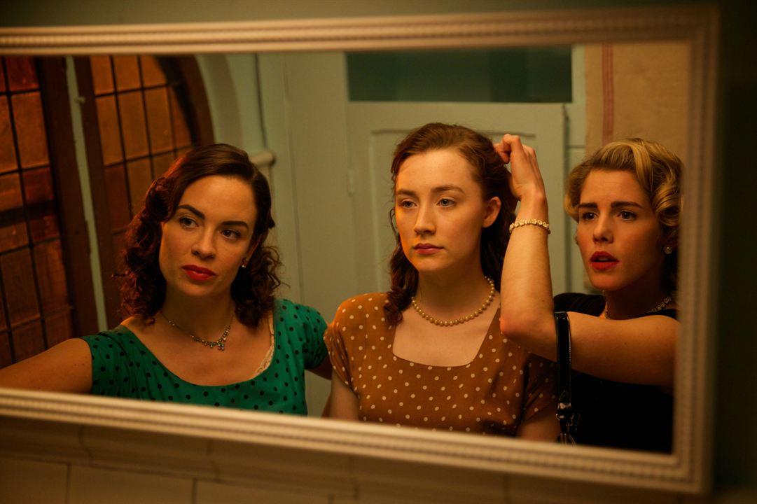 Brooklyn : Photo Emily Bett Rickards, Eve Macklin, Saoirse Ronan
