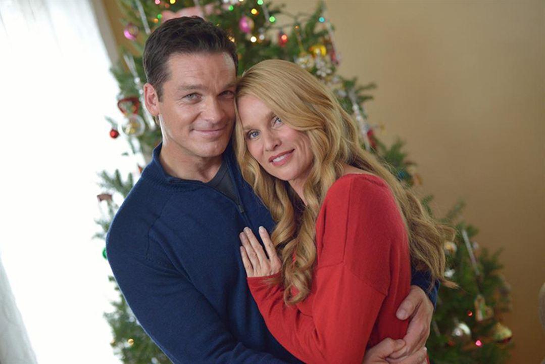 À la recherche de l'esprit de Noël : Photo Bart Johnson, Nicollette Sheridan