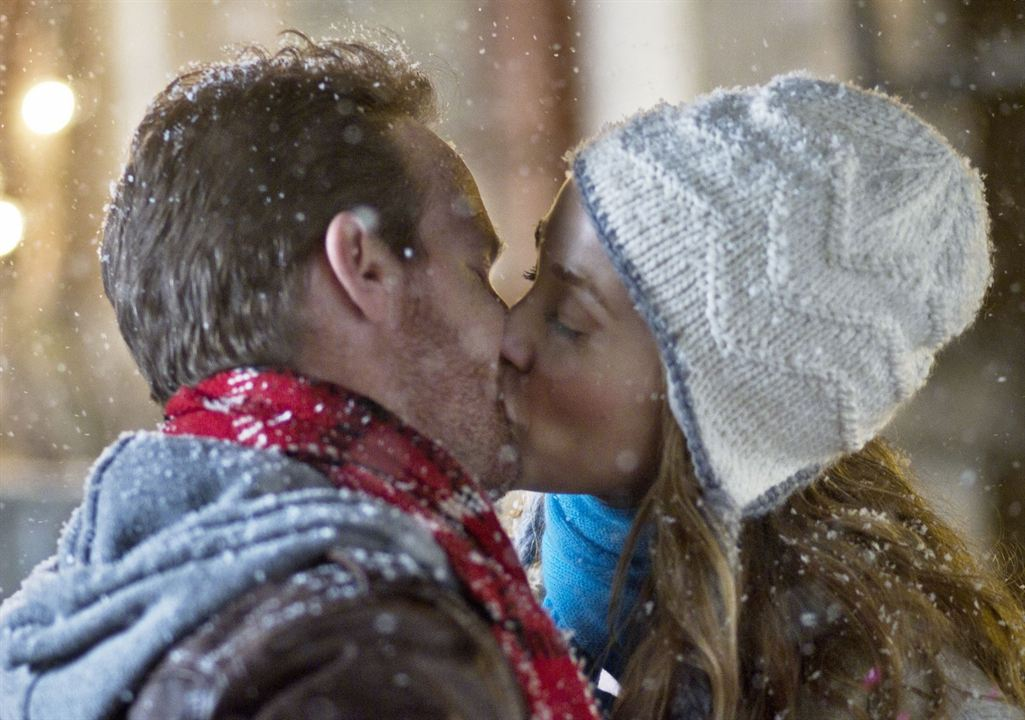 Un ticket gagnant pour Noël (TV) : Photo Elizabeth Berkley, Jason Gray-Stanford