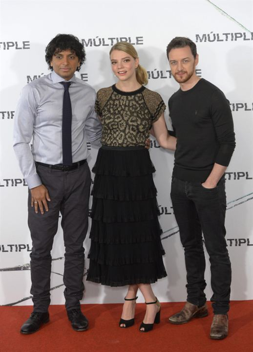 Split : Photo promotionnelle Anya Taylor-Joy, James McAvoy, M. Night Shyamalan