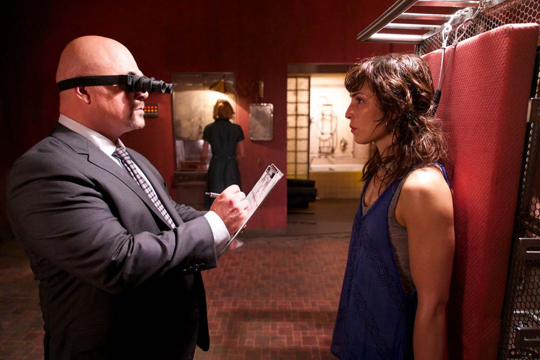 Rupture : Photo Michael Chiklis, Noomi Rapace