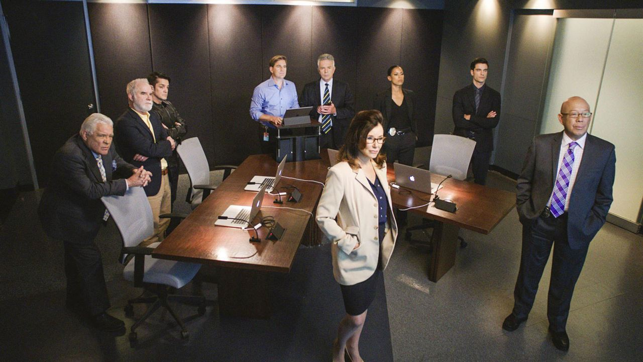 Photo Anthony John Denison, G.W. Bailey, Jonathan Del Arco, Kearran Giovanni, Mary McDonnell
