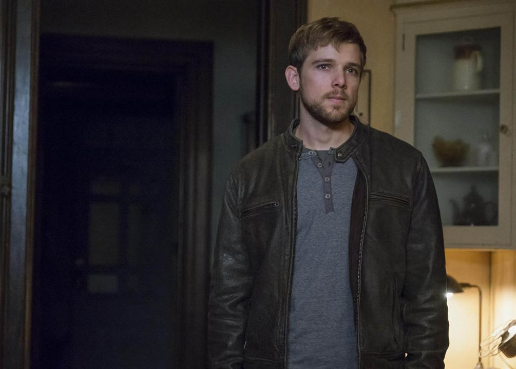 bates motel photo max thieriot 12 sur 249 allocin. Black Bedroom Furniture Sets. Home Design Ideas