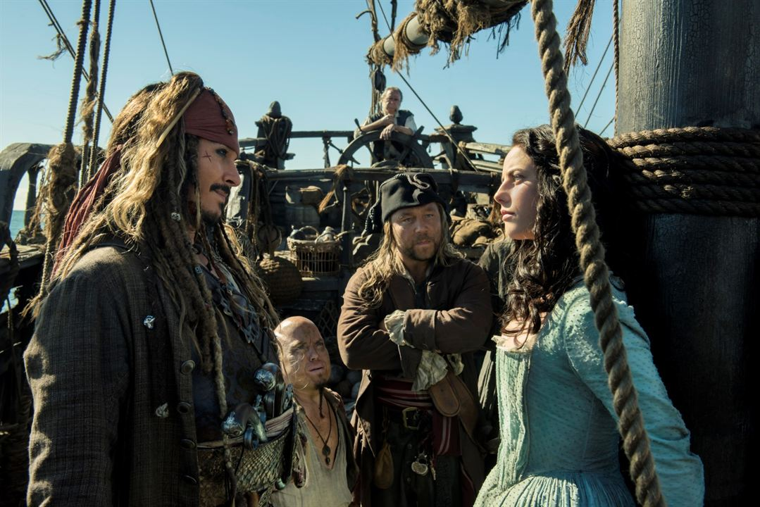 Pirates des Caraïbes : la Vengeance de Salazar : Photo Johnny Depp, Kaya Scodelario, Martin Klebba, Stephen Graham