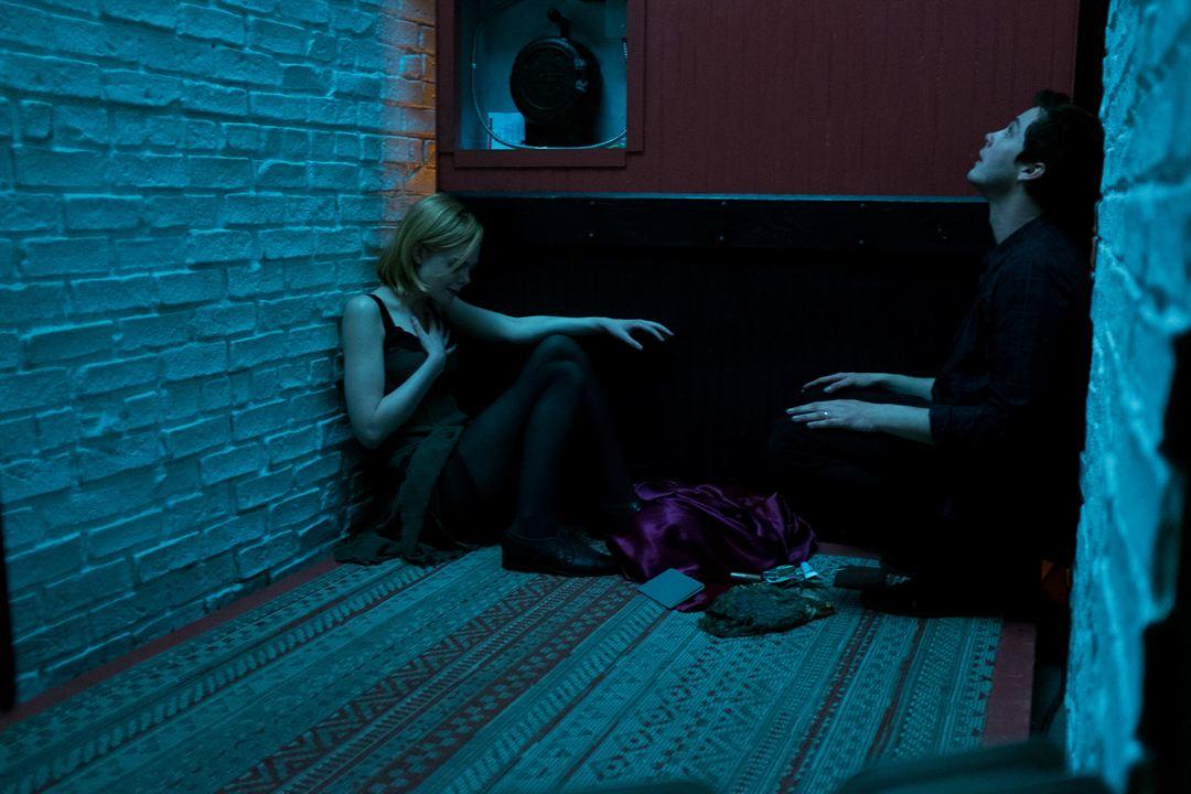 The Vanishing of Sidney Hall : Photo Elle Fanning, Logan Lerman
