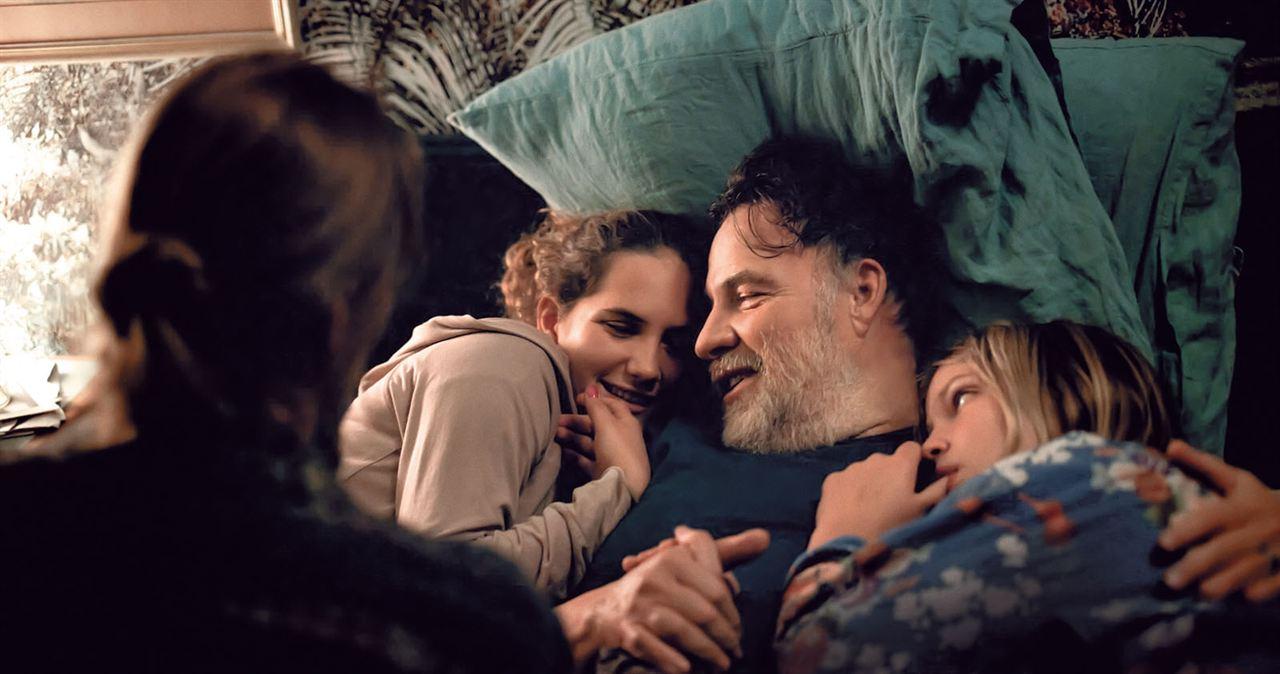 C'est ça l'amour : Photo Bouli Lanners, Justine Lacroix, Sarah Henochsberg