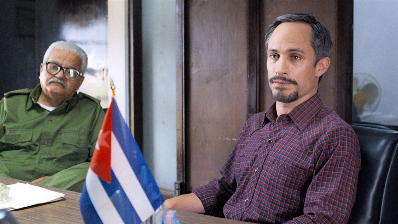 Cuban Network : Photo Gael García Bernal