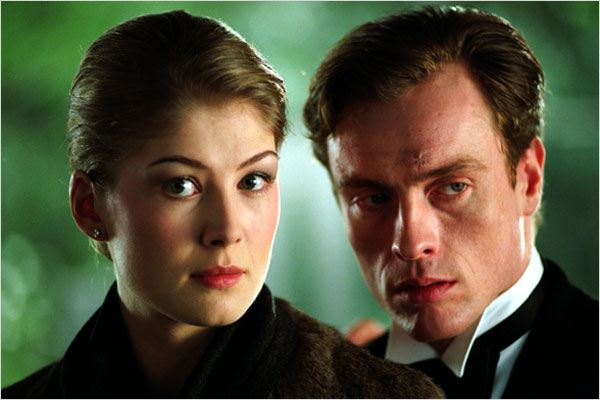 Meurs un autre jour : photo Rosamund Pike, Toby Stephens