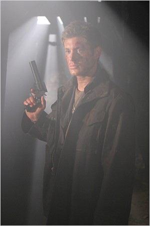 Photo de jensen ackles dans la s rie supernatural photo 546 sur 559 allocin - Jensen ackles taille ...